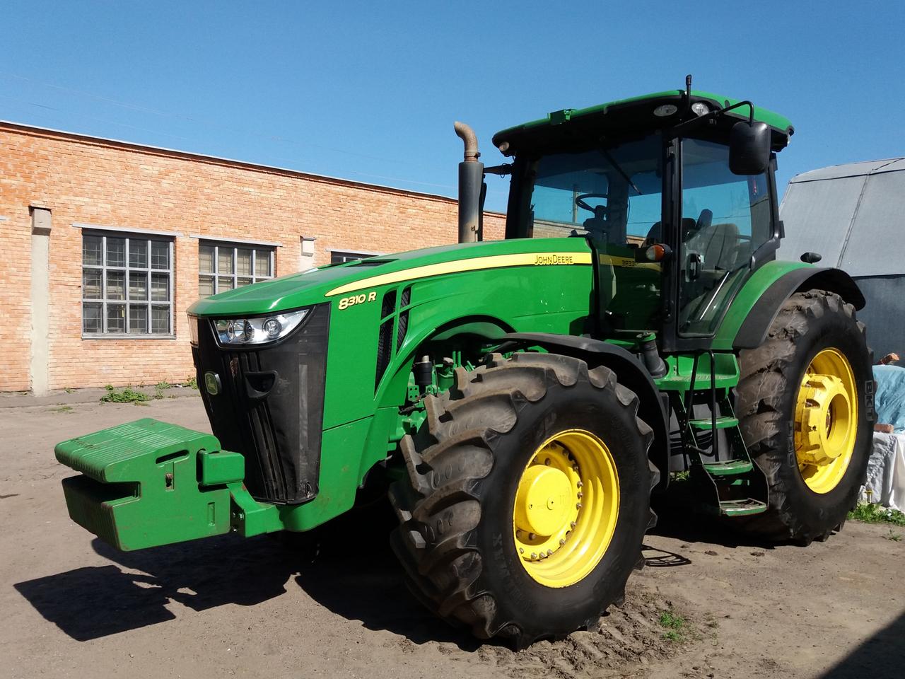 Трактор John Deere 8310R (2011г.) (8604 моточасов)